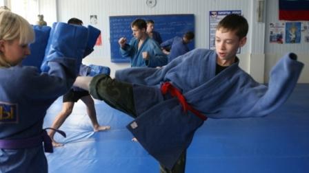 В Москве школьников научат армейскому рукопашному бою (1)