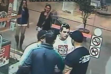 Двоих известных бойцов ММА жестоко избили в уличной драке (видео) (1)