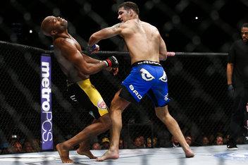 UFC 162: Андерсон Силва - Крис Уайдман (видео) (1)