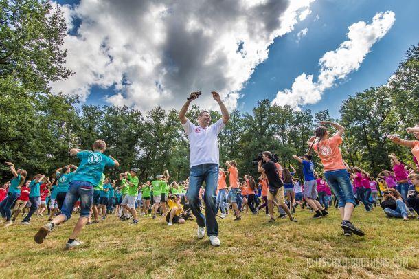 Виталий Кличко провел танцевальную зарядку для детей (1)