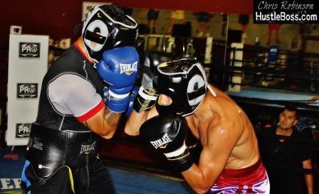 Максим Власов готовится к бою с Марком Суаресем (фото)  (6)