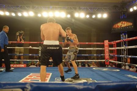 Антон Новиков побеждает в США  (2)