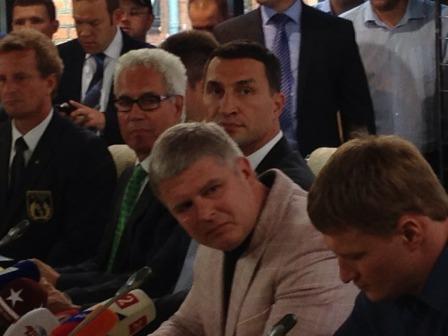 Лицом к лицу: Владимир Кличко - Александр Поветкин (1)
