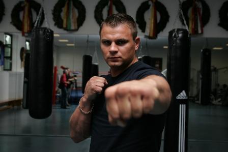 Денис Бойцов травмировал колено и отменил бой (1)