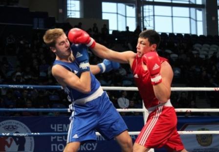 Любительский бокс снимает шлемы (1)