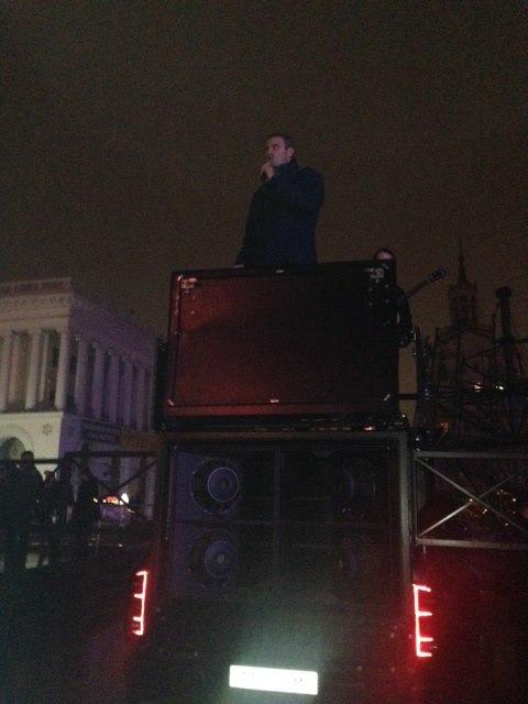 Виталий Кличко вышел на Майдан (1)