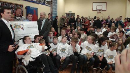 Поветкин, Бахтин и Александров вручили подарки от WBO детям (видео) (2)