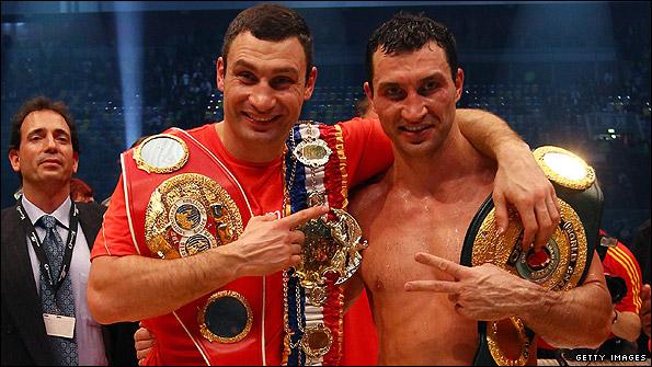Владимир Кличко решил вернуть титул старшего брата в семью (1)