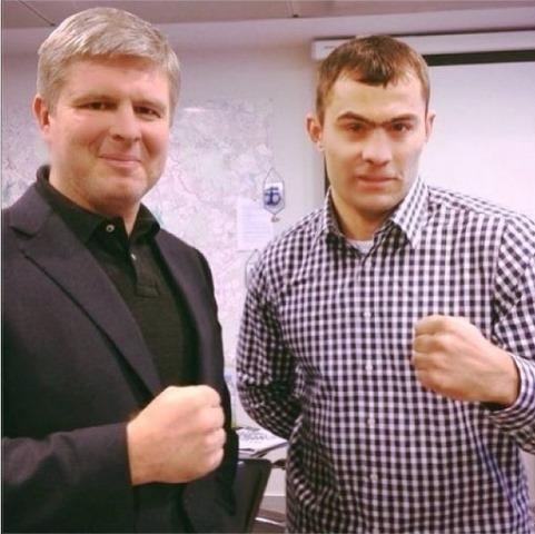 Андрей Рябинский заключил контракт с Рахимом Чахкиевым (2)