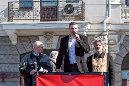 Николай Валуев и Виталий Кличко на политическом ринге (2)