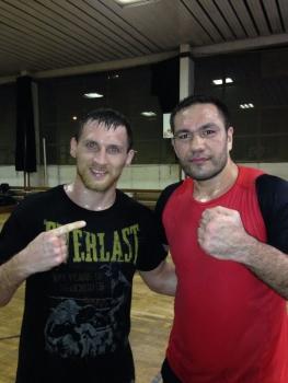 Дмитрий Кудряшов спаррингуется с Кубратом Пулевым (1)