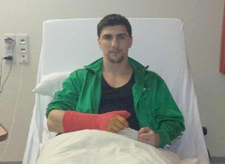 Марко Хук сломал большой палец (1)