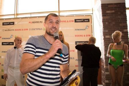 Сергей Ковалев принял участие в чемпионате Москвы по силе удара (видео) (2)
