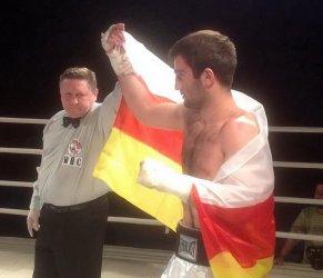 Мурат Гассиев в очередной раз побеждает нокаутом (1)
