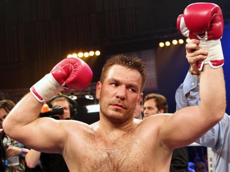 Чемпионский бой Руслана Чагаева под угрозой срыва (1)