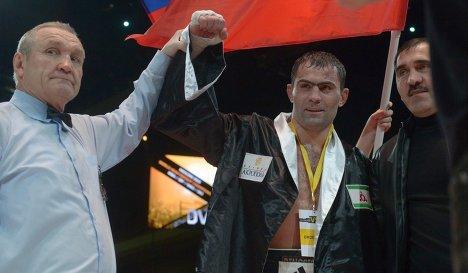 Поединок Рахима Чахкиева и Сантандера Сильгадо не будет титульным (1)