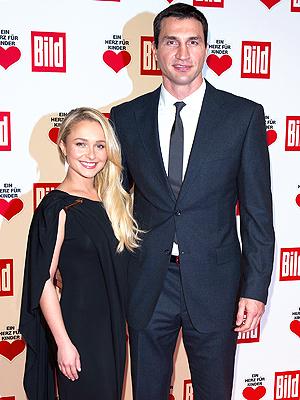 Кличко и Панеттьери снова отложили свадьбу из-за событий на Украине (1)