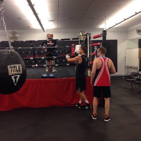 Российские боксеры начали подготовку к боям в США (2)