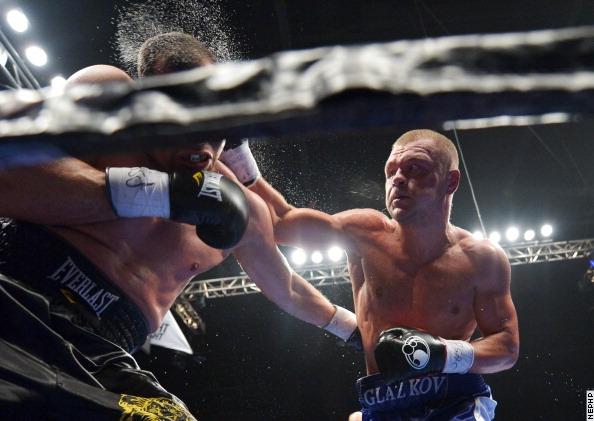 Боксер из Луганска, Вячеслав Глазков, победил по очкам Деррека Росси (2)