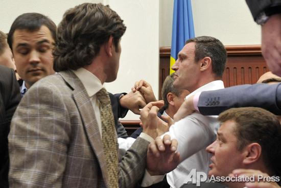 Виталий Кличко вызывает парламентариев на ринг (1)