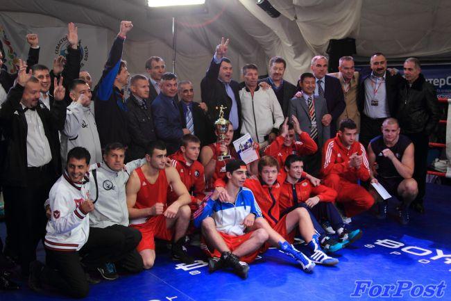 В Севастополе прошел праздник бокса в честь 25-й годовщины победы сборной СССР (1)