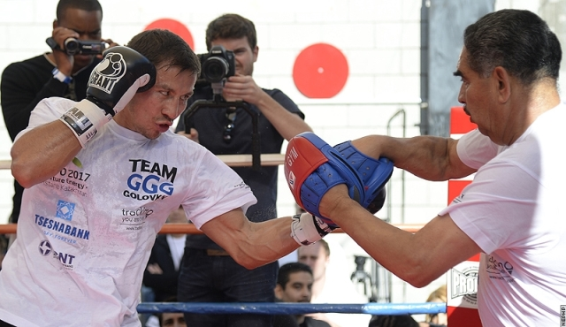 Геннадий Головкин и Рубио провели открытую тренировку (4)