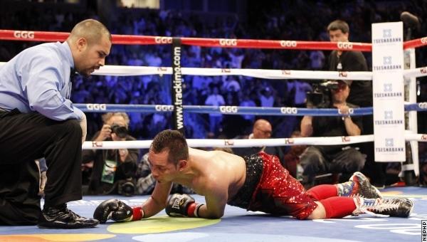 Чемпион Николас Уотерс уничтожил супер чемпиона Нонито Донэйра (2)
