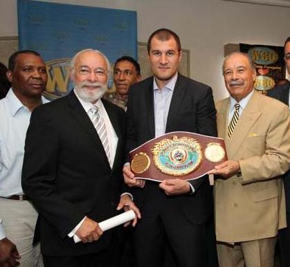 Сергей Ковалев стал суперчемпионом WBO (1)