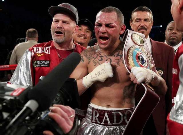 Боксер Майк Альварадо арестован в США (2)