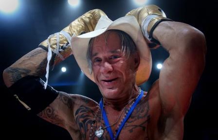 Микки Рурк вновь выйдет на ринг (1)