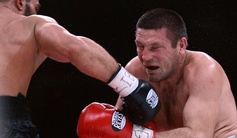 Рахим Чахкиев жестко нокаутировал Валерия Брудова (1)