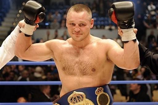 Денис Бахтов выйдет на ринг против непобежденного швейцарца Арнольда Гьерджайя (1)