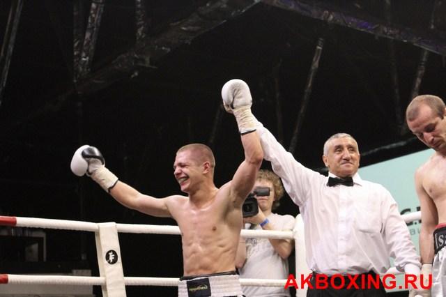 Дмитрий Кириллов и Евгений Чупраков проведут бой за вакантный титул WBO European (2)