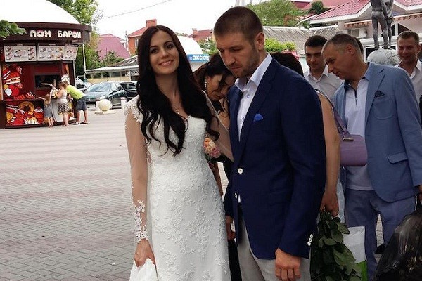 Дмитрий Пирог женился (1)