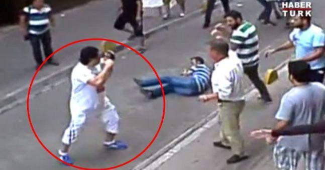Ирландский турист отбился от 15 торговцев, избивавших его стульями и палками (1)