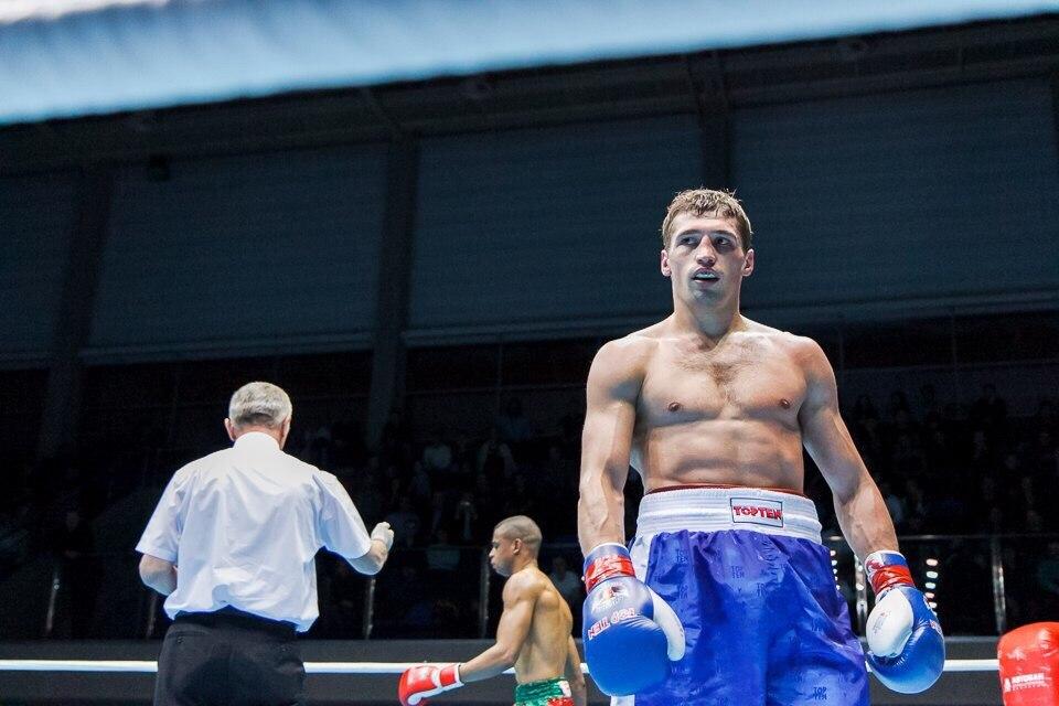 Петр Хамуков вышел в четвертьфинал чемпионата Европы по боксу (1)