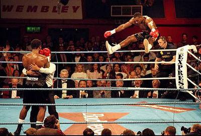 Бокс в этот день: Как Оливер Макколл нокаутировал Льюиса с закрытыми глазами! (2)
