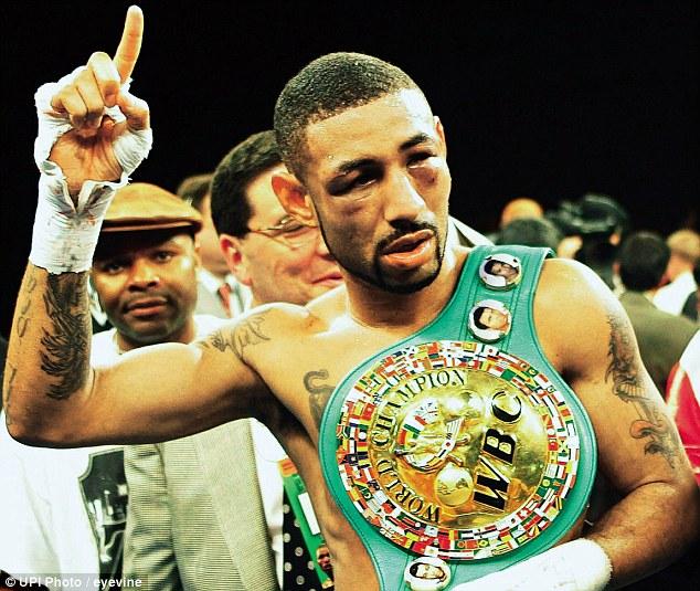 """Бокс в этот день: Как Диего Корралес уничтожил """"Дьявола"""" (1)"""