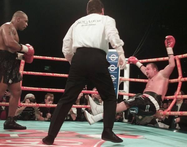Бокс в этот день: Как Майк Тайсон расправился с датчанином Нильсеном (2)