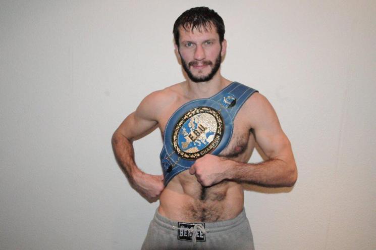 Игорь Михалкин сохранил звание чемпиона Европы в полутяжелом весе (1)