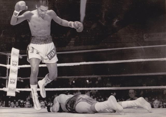 Бокс в этот день: Как Роберто Дюран нокаутировал странного претендента (2)