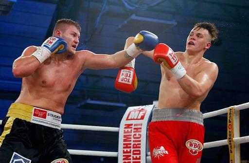 Том Шварц победил Илью Мезенцева в бою за вакантный пояс чемпиона Мира WBО по молодежи (1)