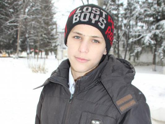 Боксер-шестиклассник спас мужчину, который провалился под лед (1)