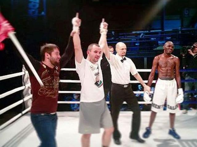 Рамзан Кадыров поздравил чеченских боксеров с победами (2)