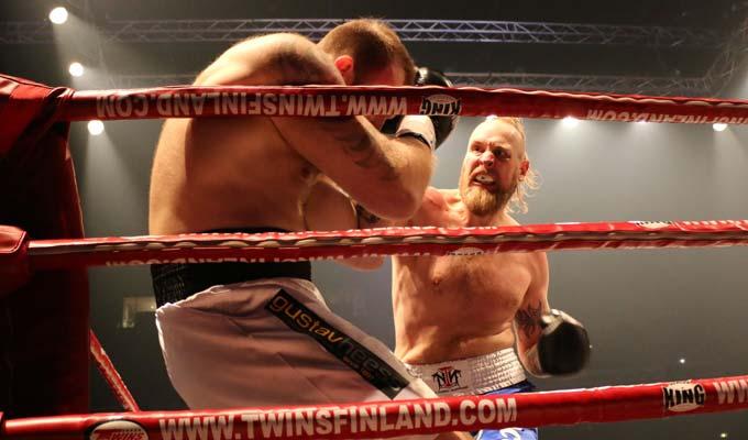 Роберт Хелениус снова стал чемпионом Европы в супертяжелом весе (1)