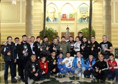 """Рамзан Кадыров высоко оценил вклад боксеров клуба """"Ахмат"""" в развитие спорта (1)"""