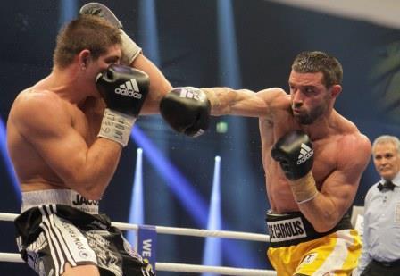 Джованни Де Каролис неожиданно стал чемпионом Мира WBA  (1)