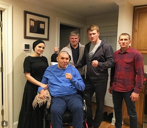 Андрей Рябинский, Александр Поветкин и Эдуард Трояновский навестили Магомеда Абдусаламова (1)