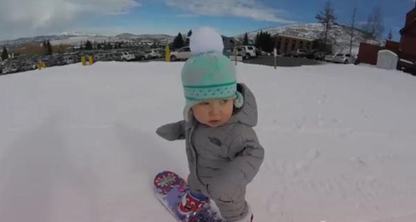 14-месячная Слоан, девочка-сноубордистка, покоряет интернет    (1)