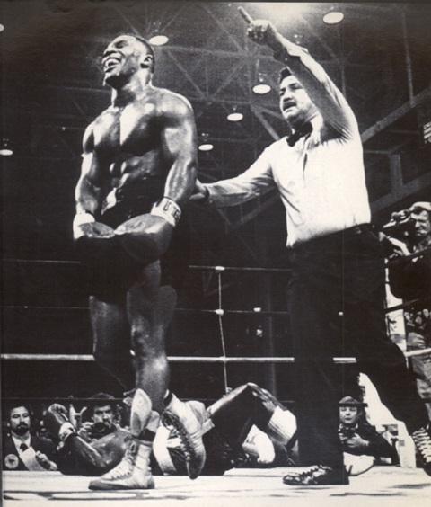 Бокс в этот день: Как Джесси Фергюсон отказался драться с 19-летним Тайсоном (2)